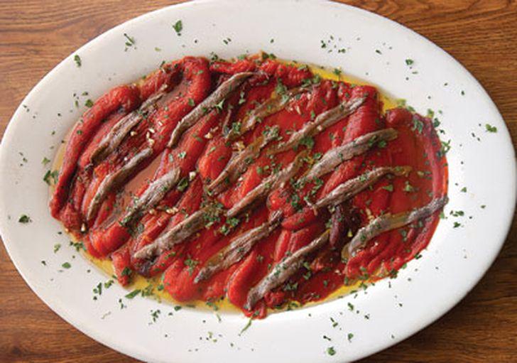 Geröstete Paprika und Sardellen